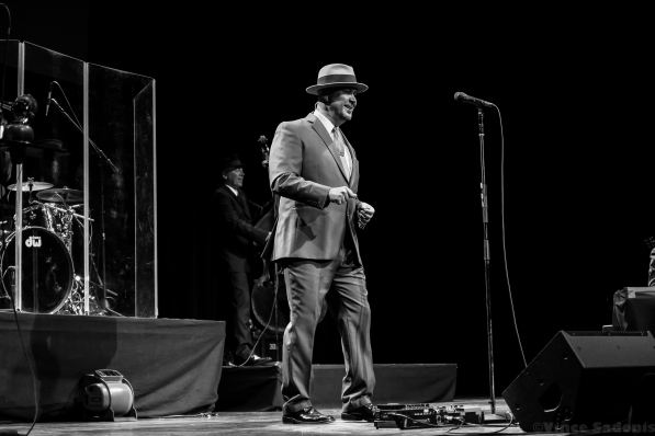 Big Bad Voodoo Daddy 20