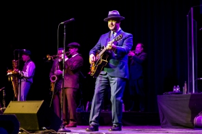 Big Bad Voodoo Daddy 26