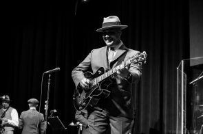 Big Bad Voodoo Daddy 27