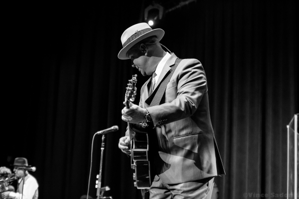 Big Bad Voodoo Daddy 28