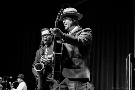 Big Bad Voodoo Daddy 29
