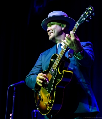 Big Bad Voodoo Daddy 33