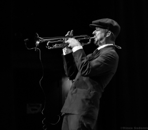 Big Bad Voodoo Daddy 38