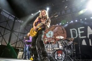 the-dead-daisies-82