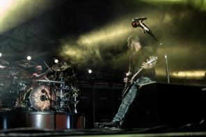 Godsmack 105