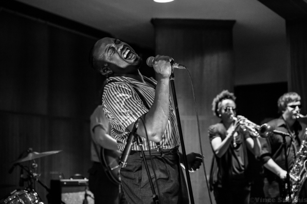 Durand Jones & The Indications 23
