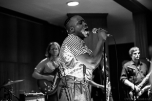 Durand Jones & The Indications 6