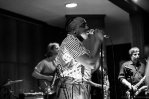 Durand Jones & The Indications 7